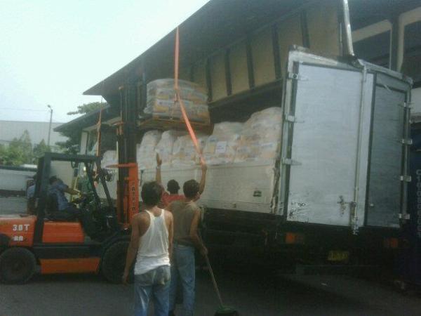 cargo surabaya, perusahaan ekspedisi surabaya, pengiriman laut perak surabaya, www.solusijasapindah.com. simpati 081358882777